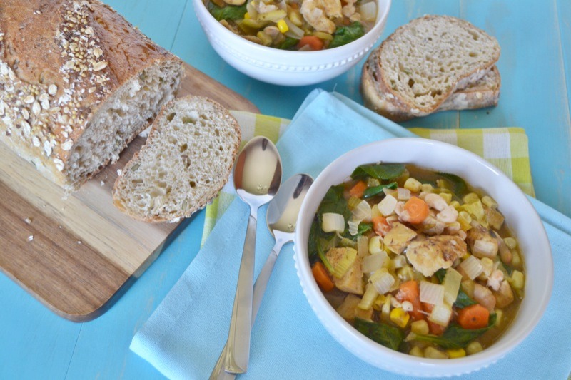 delicious white chicken chili perfect for dinner // www.thefabblog.com