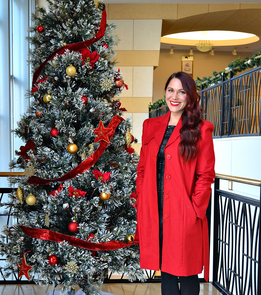 perfect holiday look with red trench