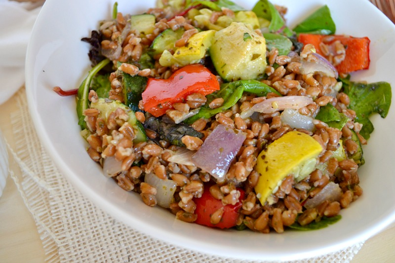 yummly roasted mushroom and green bean farro salad recipe yummly