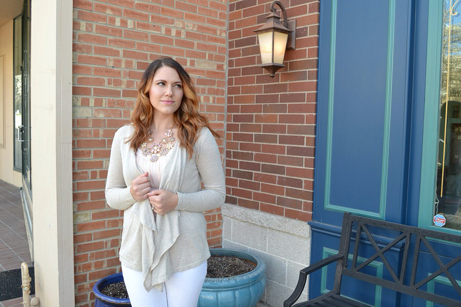 neutral & blush spring outfit