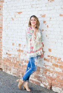 spring kimono and destroyed jeans