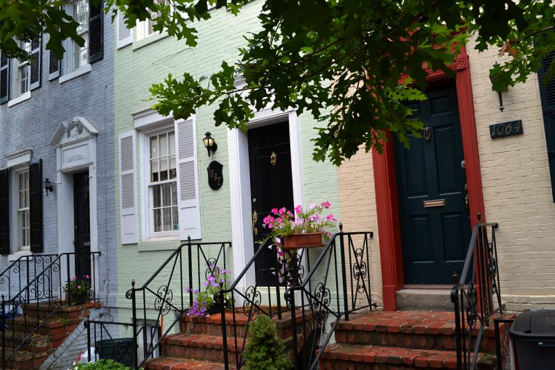 pastel homes in Georgetown