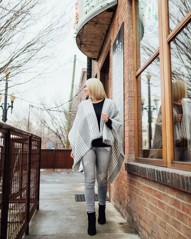 gray winter outfit // www.thefabblog.com
