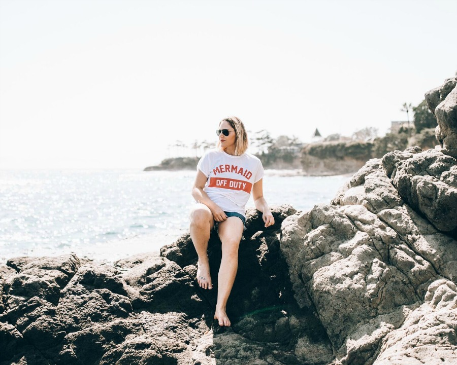 beautiful Laguna Beach wearing mermaid off duty tee // www.thefabblog.com