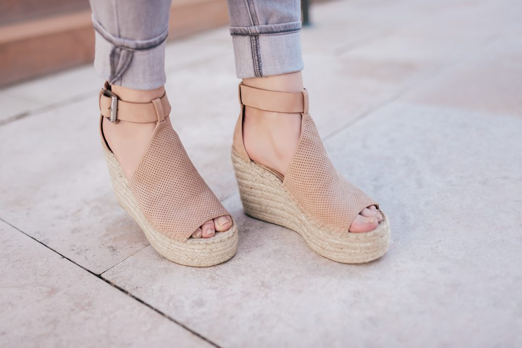 marc fisher blush wedges // www.thefabblog.com