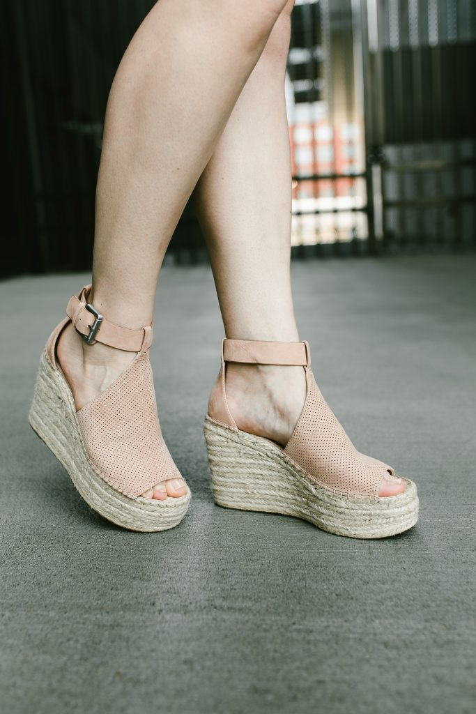 marc fisher wedges // www.thefabblog.com